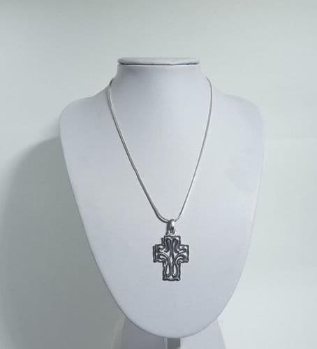 925 Sterling Silver Hand Crafted Open Work Cross Pendant & Chain